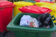 Mülltonnen Stockfoto