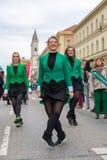 MÜNCHEN, BAYERN, DEUTSCHLAND - 11. MÄRZ 2018: Gruppe Mädchen repre Lizenzfreies Stockbild
