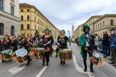 MÜNCHEN, BAYERN, DEUTSCHLAND - 11. MÄRZ 2018: Schlagzeuger am St. Lizenzfreies Stockbild