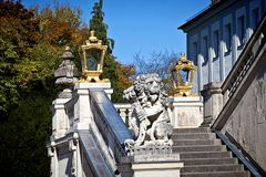 München, Detail des externen Treppenhauses an Nymphenburg-Palast Lizenzfreie Stockfotografie