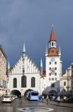 München, Deutschland - 29. Mai 2012: Alte Rathaus auf dem zentralen Platz von München- und Gebäude15. jahrhundert München, Deutsc Lizenzfreie Stockbilder