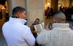 München, Deutschland - 22. Oktober 2011: Straßenmusiker Lizenzfreies Stockbild