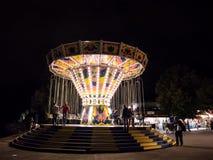 MÜNCHEN, DUITSLAND - AUGUSTUS 20, 2017: Een uitstekende carrousel bij een festi royalty-vrije stock afbeeldingen