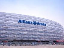 MÜNCHEN, DUITSLAND - 22 FEBRUARI 2018: De Allianz-Arena is het stadion van de huisvoetbal voor FC Bayern Munich met een capacitei Royalty-vrije Stock Fotografie
