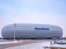 MÜNCHEN, DUITSLAND - 22 FEBRUARI 2018: De Allianz-Arena is het stadion van de huisvoetbal voor FC Bayern Munich met een capacitei Stock Afbeelding