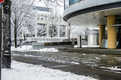 München, Duitsland - Februari 18 2018: De Duitse Bundesbank waarschuwt voor gevolgen van Zwarte Nul Stock Afbeeldingen