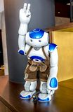 München, Duitsland - Februari 16 2018: De wereld` s eerste robot in leerbroeken heet gast bij het Motel welkom  royalty-vrije stock afbeeldingen