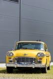 München, Duitsland - Juni 25.2016 Uitstekende Amerikaanse Gele Taxicabine Royalty-vrije Stock Foto's