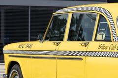 München, Duitsland - Juni 25.2016: Uitstekende Gele de Taxicabine van New York Stock Foto's