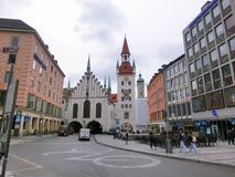München, Duitsland - Mei 02, 2017: Fasade van oud woonhuis van München in Beieren Stock Fotografie