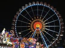 MÜNCHEN, DUITSLAND - OKTOBER 1: Mening van Oktoberfest in München, Duitsland bij nacht op 1 Oktober, 2014 L Royalty-vrije Stock Afbeelding