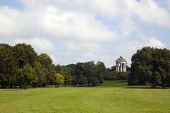 München, Englischer Garten Park mit Monopteros Stockfotografie