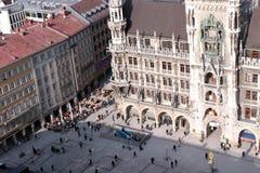 München. Het kijken op het centrale vierkant Royalty-vrije Stock Foto