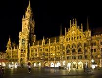 München Marienplatz bij nacht. Royalty-vrije Stock Foto