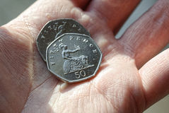 Münze mit fünfzig Pennys Stockbild