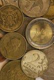 Münzen aus verschiedenen Ländern Lizenzfreie Stockfotos