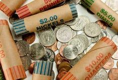 Münzen und Verpackungen Lizenzfreie Stockfotos