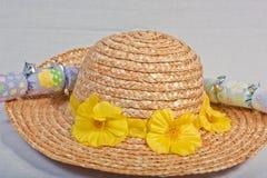 Mütze und Cracker Stockbild