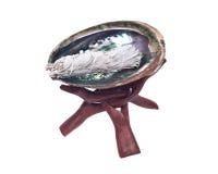Mądry smudge kij i jaskrawy okrzesany tęczy abalone łuskamy fotografia stock