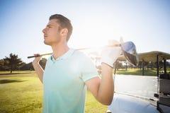 Mądrze mężczyzna przewożenia kij golfowy Obraz Stock
