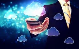 Mądrze telefon chmury łączliwości usługa one z biznesowym mężczyzna ilustracja wektor