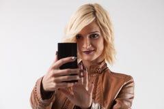 mądrze telefon kobieta zdjęcie stock