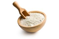 Mąka w drewnianym pucharze fotografia stock