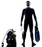 Mężczyzna akwalungu nurka nurkowa sylwetka odizolowywająca obrazy royalty free