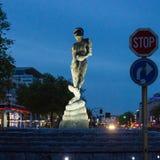 Mężczyzna Atlantis rzeźba w Bruksela, Belgia Zdjęcia Royalty Free