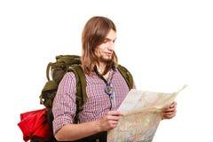 Mężczyzna backpacker czytania turystyczna mapa plażowi Formentera wyspy kobiety potomstwa Obraz Royalty Free