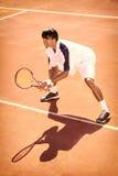 Mężczyzna bawić się tenisa Fotografia Stock