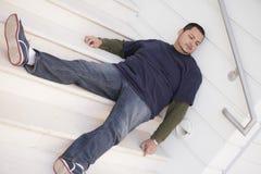 Mężczyzna bezdomny dosypianie Zdjęcia Stock