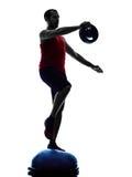 Mężczyzna bosu równowagi trener ćwiczy sprawności fizycznej sylwetkę Obrazy Stock
