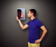 Mężczyzna całowania obrazek kobieta fotografia royalty free