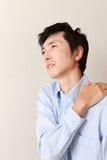 Mężczyzna cierpi od szyi obolałości Fotografia Stock