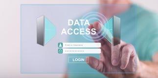 Mężczyzna dotyka dane dostępu pojęcie zdjęcie stock
