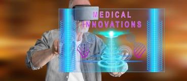 Mężczyzna dotyka medycznego innowaci pojęcie na dotyka ekranie z VR słuchawki Obraz Royalty Free
