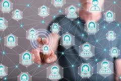 Mężczyzna dotyka ogólnospołecznego sieci pojęcie Obrazy Stock