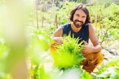 Mężczyzna działanie jako rolnik zdjęcia royalty free