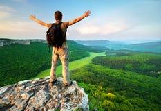 mężczyzna góry wierzchołek obrazy stock