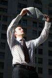 mężczyzna gazety czytanie Fotografia Stock
