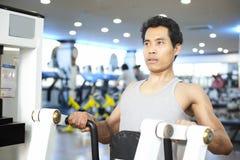 Mężczyzna gym trening Obrazy Stock