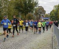 Mężczyzna i kobiet bieg maratonu Magdeburski oktober 2015 Zdjęcie Stock