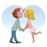 Mężczyzna i kobieta jesteśmy wokoło całować Fotografia Royalty Free