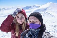 Mężczyzna i kobieta robi selfie Zdjęcie Royalty Free