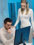 Mężczyzna i kobieta w laboratorium Zdjęcie Stock