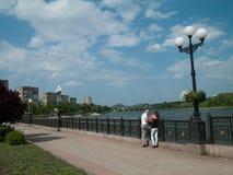 Mężczyzna i kobieta w mieście zdjęcie royalty free