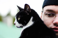 Mężczyzna i kot Obraz Royalty Free