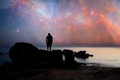 Mężczyzna i nocne niebo Zdjęcie Royalty Free
