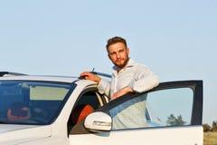 Mężczyzna i samochód Obraz Royalty Free